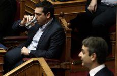 Προς μετωπική σύγκρουση στη Βουλή
