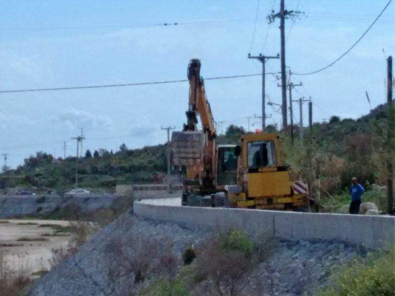 Συγκεντρώνουν υπογραφές για την ανακατασκευή γέφυρας