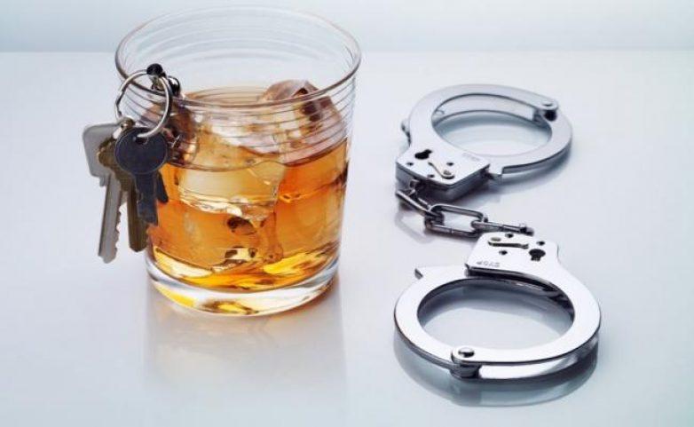Οδηγούσε μεθυσμένος και χωρίς δίπλωμα
