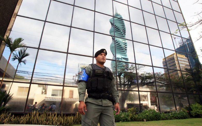 Εφοδος των Αρχών στα κεντρικά της Mossack Fonseca
