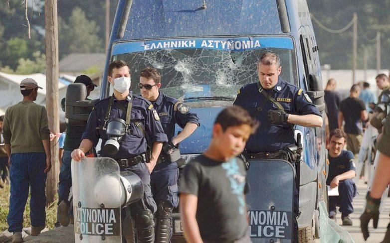 Μόνο 1.500 παραμένουν στην Ειδομένη