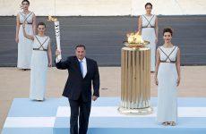 Η Ελλάς παρέδωσε το Ολυμπιακό Φως