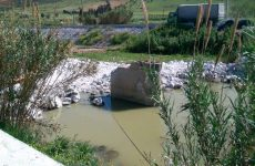 Tην αντικατάσταση της γκρεμισμένης γέφυρας με νέα στη Λάμια Διμηνίου ζητούν οι πολίτες