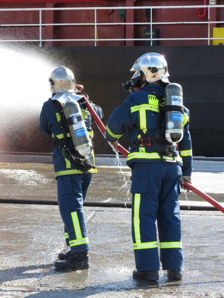 Πυρκαγιά σε κουζίνα διαμερίσματος στο Βόλο