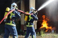 Η Περιφέρεια Θεσσαλίας για τη φωτιά σε εγκαταστάσεις βιομηχανίας ανακύκλωσης ελαστικών στη Λάρισα