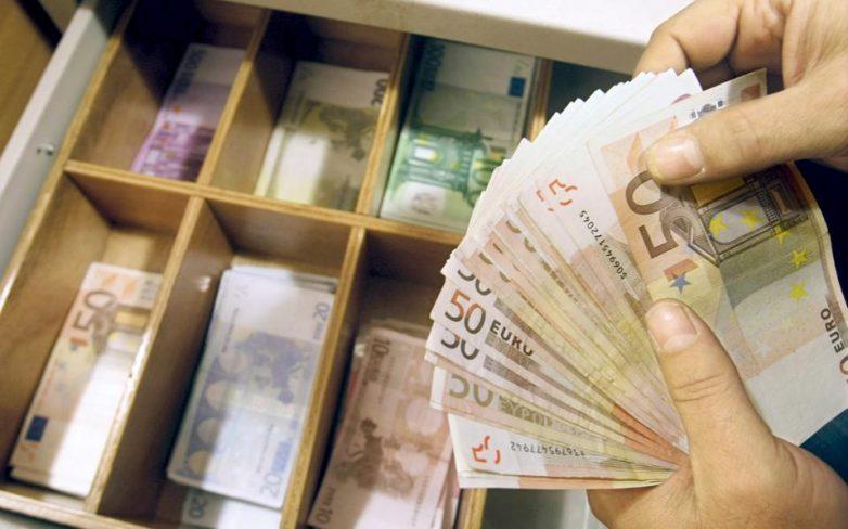 Σε αποπληρωμή παλαιότερων επενδύσεων τα 2,5 από τα 3,6 δισ. του αναπτυξιακού