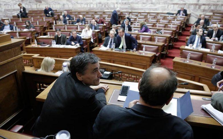 Βουλή: Σύσταση υποεπιτροπής για το χρέος – «αιφνιδιασμένη» η αντιπολίτευση
