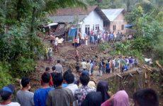 Ινδονησία: Τουλάχιστον 43 νεκροί από τις πλημμύρες στην Κεντρική Ιάβα