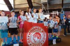 Οι μικροί κολυμβητές του Ολυμπιακού Βόλου στη Λάρισα