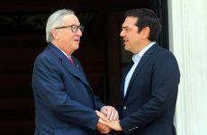 Γιουνκέρ: «Ζητώ τον σεβασμό στην αξιοπρέπεια των Ελλήνων»