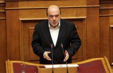Βουλή: Υπερψηφίστηκε το νομοσχέδιο για το λαθρεμπόριο καπνού