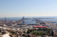 Μπλόκο στο επενδυτικό σχέδιο της Cosco για το λιμάνι Πειραιά