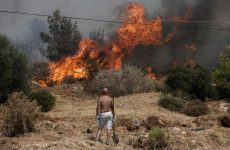 Στη Χίο πυροσβέστες από το Βόλο