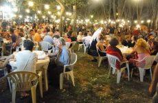 Φίλοι και μέλη στον ετήσιο χορό του Πολιτιστικού – Αναπτυξιακού Συλλόγου «Νέα Αγχίαλος»