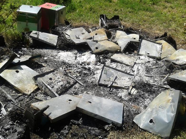 Στάχτη έγιναν μελίσσια από πυρκαγιά στα Κανάλια