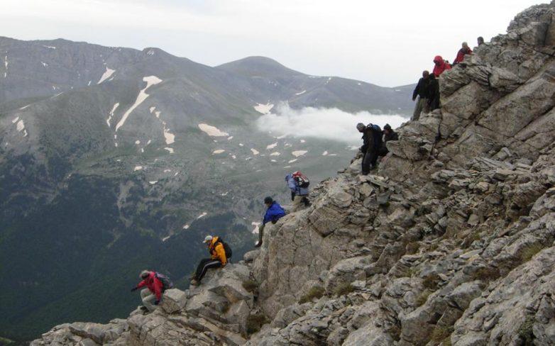 Μεταφορά ορειβάτη σε νοσοκομείο από τον Ολυμπο
