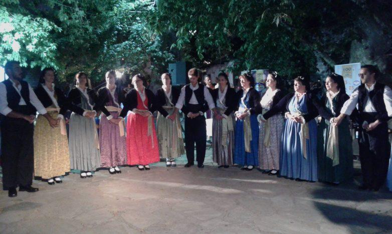"""""""Ταξιδεύοντας στις Αλησμόνητες Πατρίδες με χορούς και τραγούδια"""""""