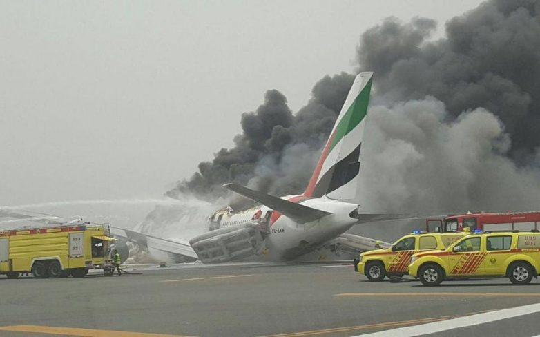 Ντουμπάι: Φωτιά σε αεροσκάφος της Emirates μετά από αναγκαστική προσγείωση (βίντεο)