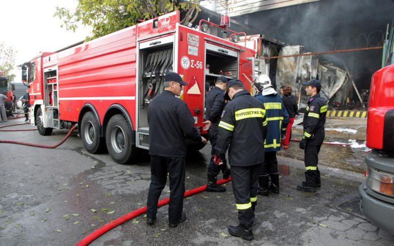 Πυρκαγιά σε κουζίνα διαμερίσματος στους Αγ. Αναργύρους