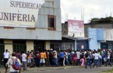 Καταρρέει η Βενεζουέλα
