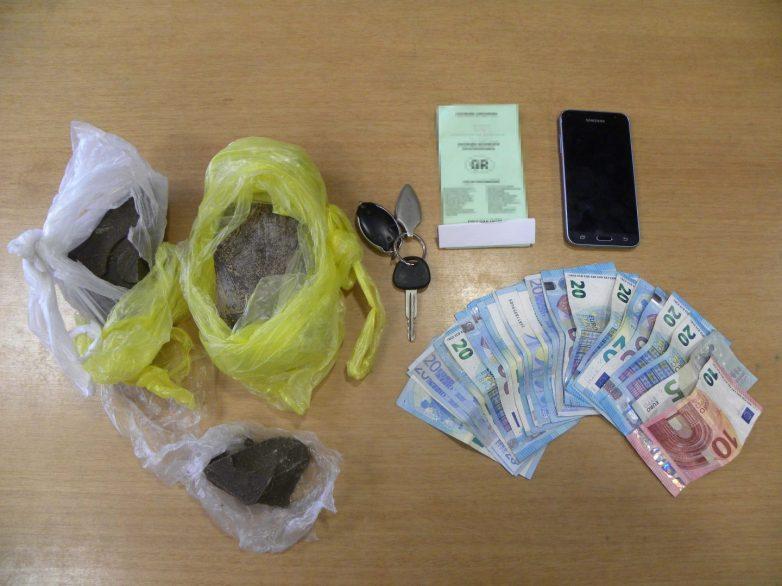 Συνελήφθησαν δύο άτομα στο Βόλο με 900 γραμμάρια ηρωίνης