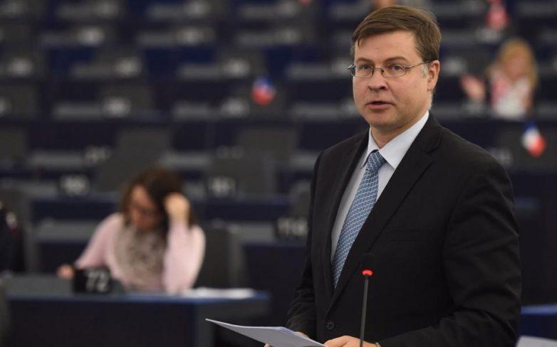 Ντομπρόβσκις: Σε πιο σκληρή λιτότητα οδήγησε ο Τσίπρας