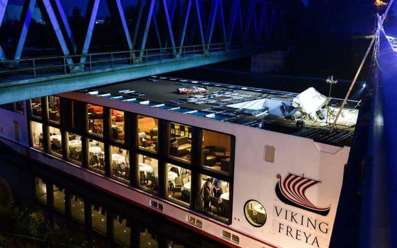 Τουλάχιστον δύο νεκροί από την πρόσκρουση πλοίου σε γέφυρα καναλιού στην Βαυαρία