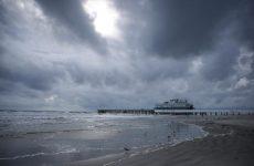 Τουλάχιστον 140 νεκροί από τον τυφώνα Μάθιου