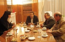 Κλίμα συμβιβασμού στη συνάντηση Τσίπρα- Ιερώνυμου για τα Θρησκευτικά
