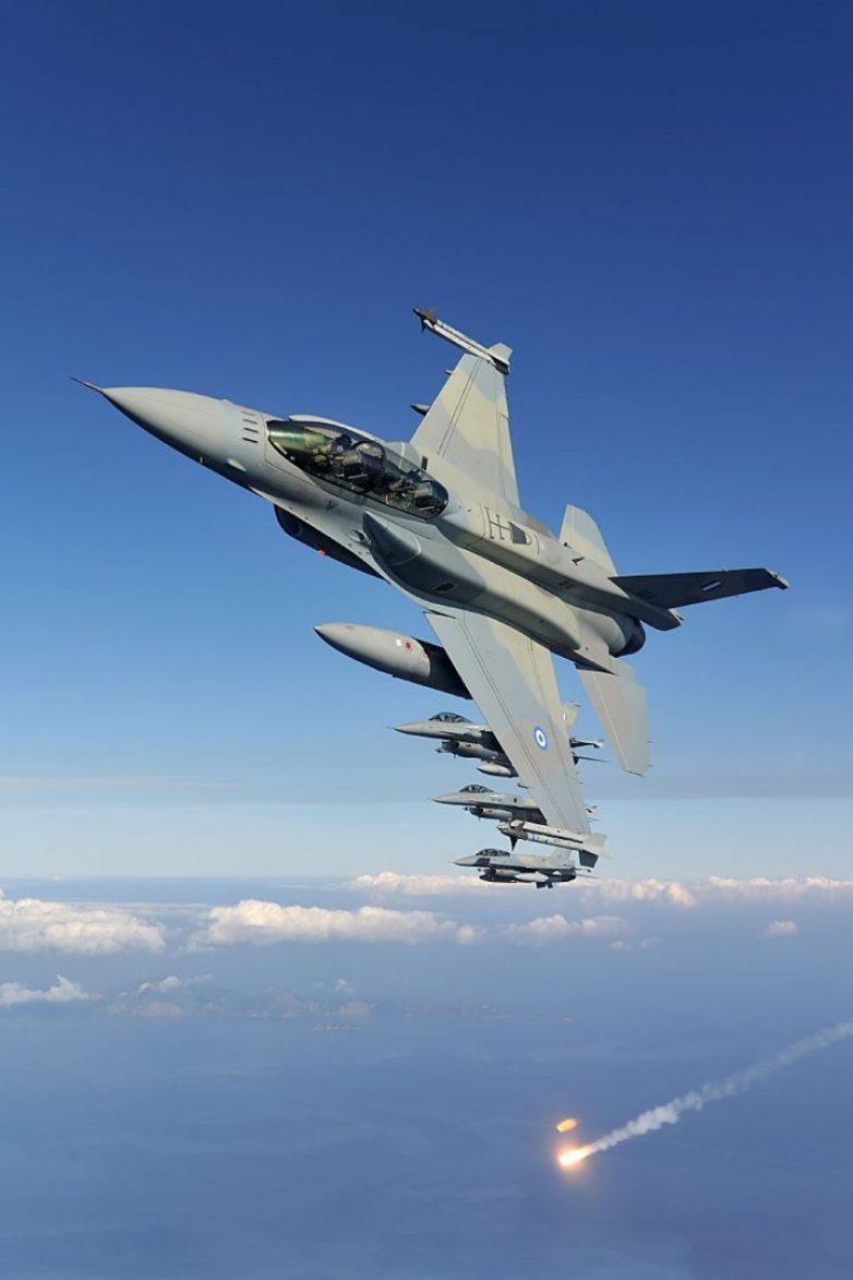 «Βέρτιγκο» θεσμών για τα 2,4 δισ. των F-16