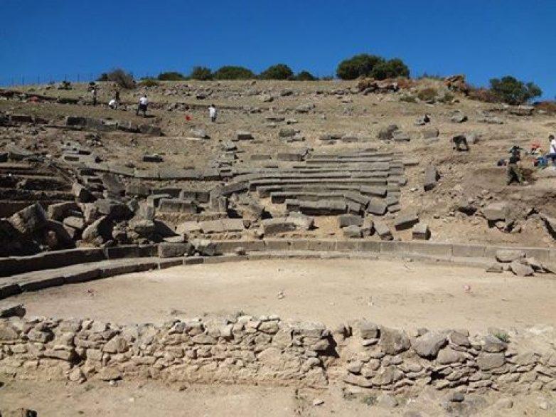 Διάζωμα: Ορατός ο κίνδυνος μη ολοκληρωμένης αναστήλωσης του θεάτρου Φθιωτίδων Θηβών