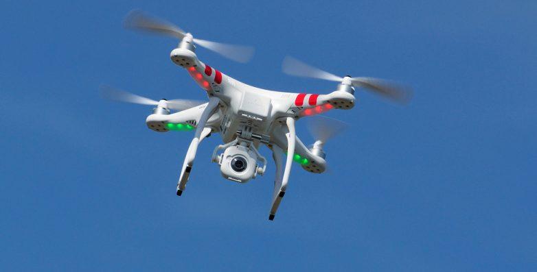 Συντονισμός για τη χρήση drones στις Χριστουγεννιάτικες εκδηλώσεις στο Βόλο