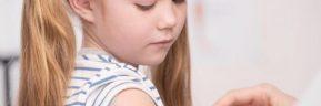 Υπουργική ασάφεια για τον εμβολιασμό παιδιών