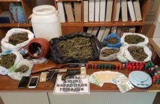 Συνελήφθησαν δύο στα Τρίκαλα με κάνναβη και όπλα