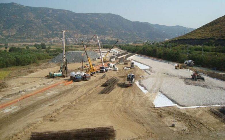 Πενιχρές οι δημόσιες επενδύσεις σε υποδομές
