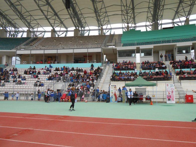 CAMP σκυταλοδρομιών αθλητών και αθλητριών των εθνικών ομάδων στίβου στο Βόλο