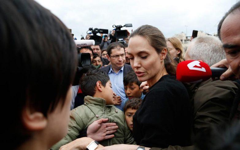 Η Αντζελίνα Τζολί θα συνεχίσει να έχει την αποκλειστική κηδεμονία των έξι παιδιών