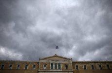Γραφείο Προϋπολογισμού: Aπίθανη η ανάπτυξη 2,7% – κίνδυνος νέας ύφεσης