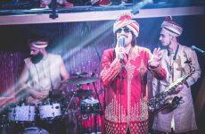 Ο πολύς,  εορταστικός κι απολαυστικός Τonis  Sfinos στο LabArt