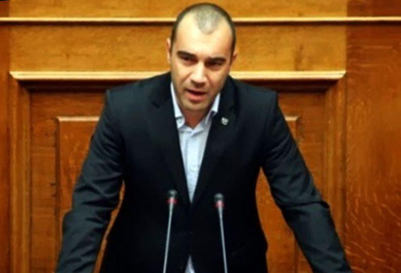 Π.Ηλιόπουλος: Νέοι φόροι στους Έλληνες για τις ανέσεις των λαθρομεταναστών