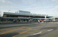 Αναγκαστική προσγείωση αεροσκάφους στην Πράγα λόγω απειλής για βόμβα