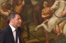 Ιταλία: Διατεθειμένος να παραμείνει έως την Παρασκευή ο Ρέντσι