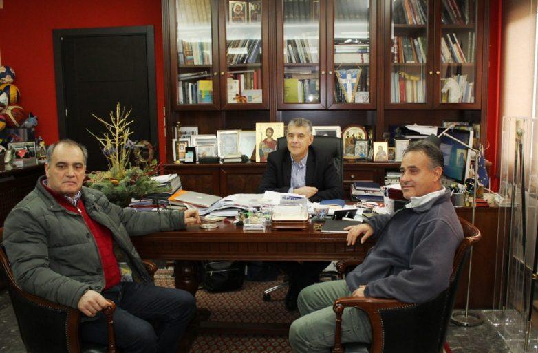 Συνάντηση περιφερειάρχη με μέλη της ΕΤΕ ΔΕΗ για τη Μεσοχώρα