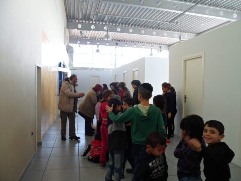 Κοπή πίτας στους πρόσφυγες του Mόζα
