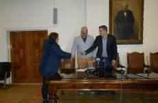 Χρηματικό ποσό έδωσε  σήμερα ο Δήμος Βόλου σε πέντε ιδρύματα της πόλης