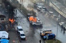 Σμύρνη: Έκρηξη και ένοπλη σύγκρουση έξω από δικαστήριο – τέσσερις νεκροί