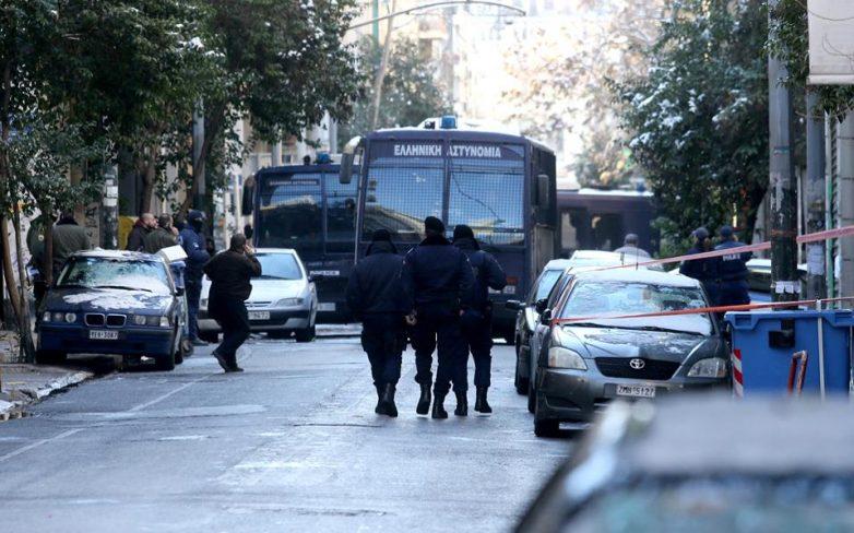 Η «Επαναστατική Αυτοάμυνα» πίσω από την επίθεση στα γραφεία του ΠΑΣΟΚ