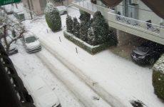Συνεχίζεται με κλιμακούμενη ένταση  η χιονόπτωση στο Βόλο