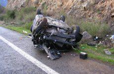 Αυτοκίνητο ανατράπηκε στο δρόμο προς Κριθαριά