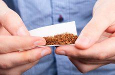 Καταδίκη 33χρονου για κατοχή πιστολιού κρότου και λαθραίου καπνού